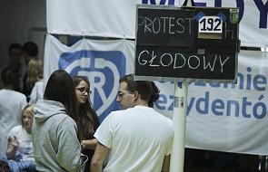 Premier Beata Szydło przyjechała do Centrum Dialog; ma się spotkać z rezydentami