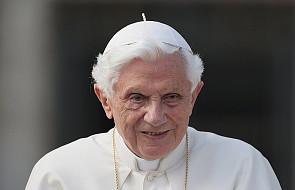 Media: Benedykt XVI jest w złym stanie. Sekretarz papieża emeryta odniósł się do tych doniesień