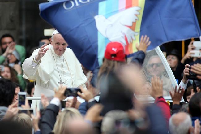 Papież pobił rekord. Wczoraj wygłosił 7 przemówień, by dać nadzieję tysiącom osób - zdjęcie w treści artykułu nr 5