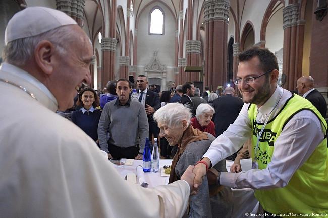 Papież pobił rekord. Wczoraj wygłosił 7 przemówień, by dać nadzieję tysiącom osób - zdjęcie w treści artykułu nr 4