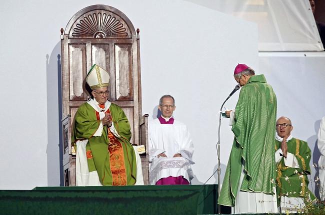 Papież pobił rekord. Wczoraj wygłosił 7 przemówień, by dać nadzieję tysiącom osób - zdjęcie w treści artykułu nr 7