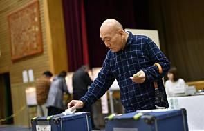 Japonia: dziesiątki tysięcy ewakuowanych z powodu tajfunu, utrudnienia w przeprowadzeniu wyborów
