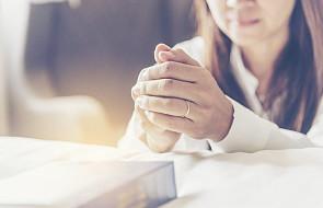 Co zrobić, by modlitwa nas rozpalała? [WYWIAD]