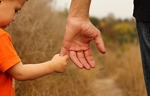 Zakony i diecezje przygotowują programy ochrony dzieci w placówkach kościelnych