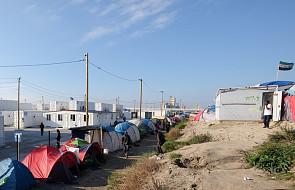 Francuskie służby chcą pozbyć się migrantów z Calais