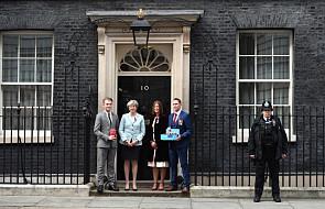 Media w Wielkiej Brytanii o skandalu seksualnym w brytyjskim parlamencie