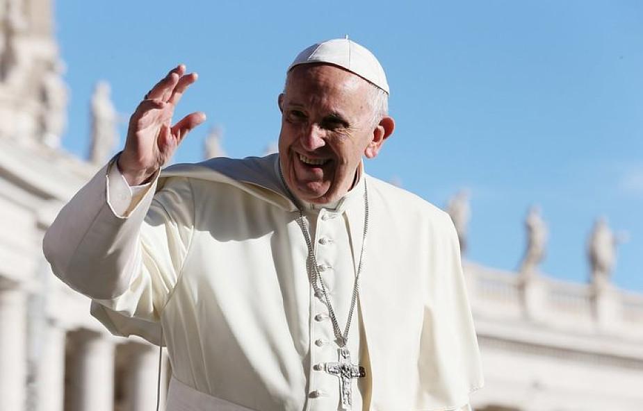 Franciszek zachęcił Polaków do modlitwy różańcowej