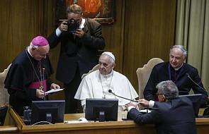 Papież Franciszek apeluje o walkę z przestępstwami wobec dzieci w internecie