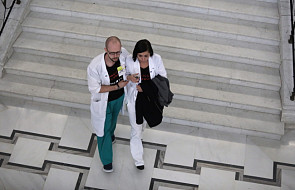 Lekarze rezydenci: chcemy negocjacji, do tego czasu nie zaprzestaniemy protestować