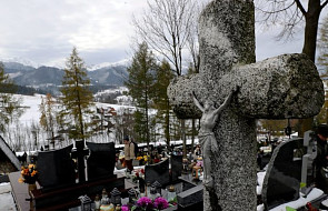 Prymas Polski: święci wołają dziś do nas, byśmy spróbowali żyć jak oni żyli