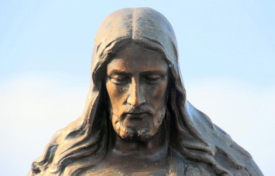Pan Jezus powiedział o tej modlitwie: nie ma skuteczniejszej nowenny od tej
