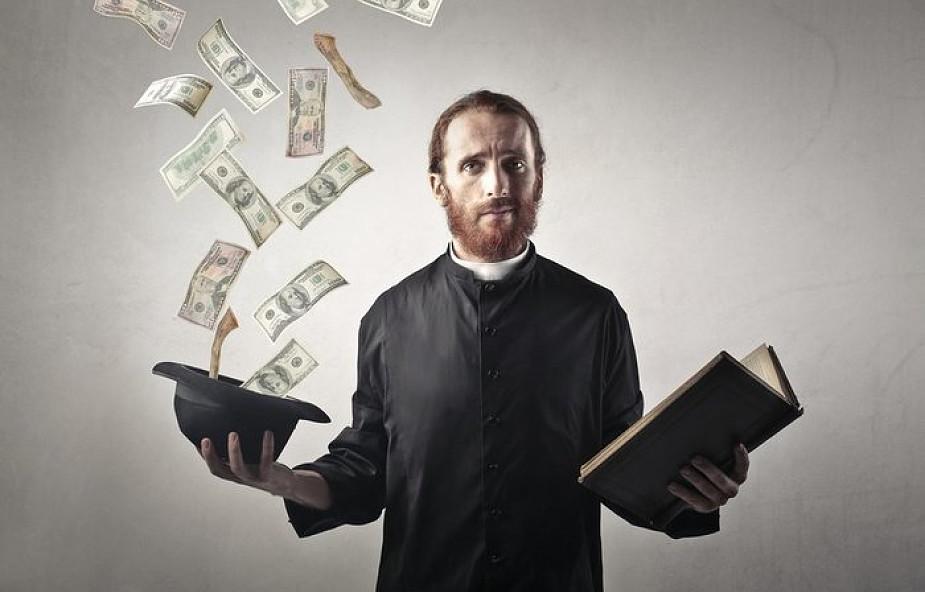 Każdy medialny szum wokół księży i kasy to dobra okazja by o tym pamiętać