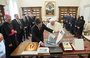 Papież Franciszek otrzymał dary od prezydenta Paragwaju
