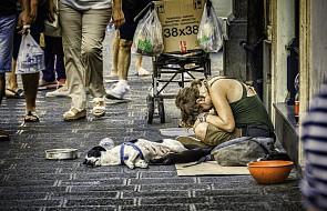 """Raport Caritas: 10 procent młodych Włochów żyje w stanie """"absolutnego ubóstwa"""""""