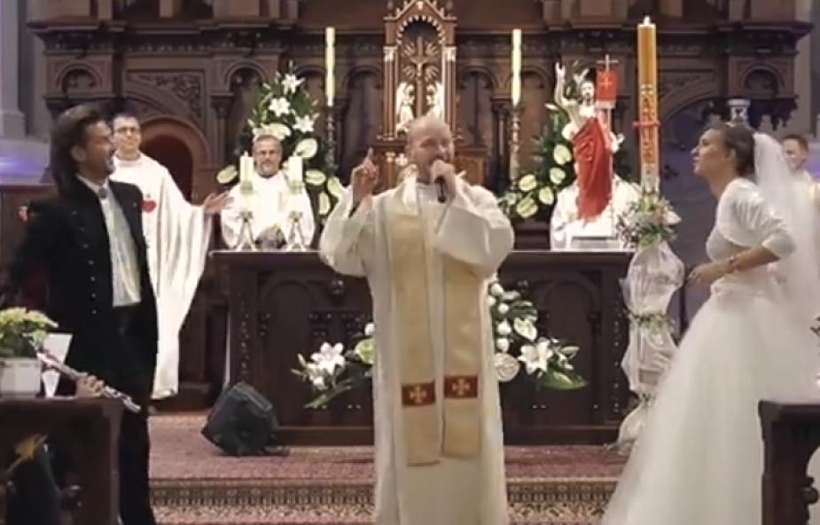 Takiego ślubu w Łodzi jeszcze nie było! Zobacz, co wydarzyło się w kościele jezuitów