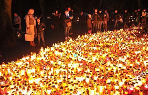 Co dokładnie świętujemy 2 listopada? Za kogo powinniśmy się dzisiaj modlić?