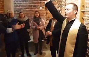 """W Łodzi otwarto """"ewangelizacyjną siłownię"""", w której będą """"wyrzucane demony"""" [WIDEO]"""