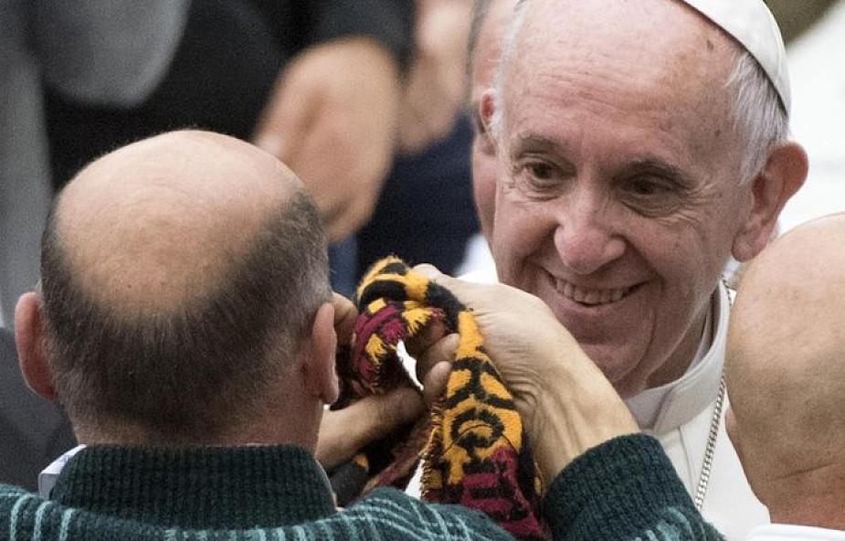 Spodziewanych jest 200-300 tys. wiernych na papieskiej Mszy w Mjanmie