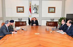 "Prezydent Egiptu obiecuje ""brutalny"" odwet za zamach na Synaju"