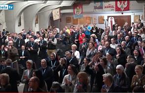 Kongres Nowej Ewangelizacji: bierzmowanie to ślub, czy studniówka?