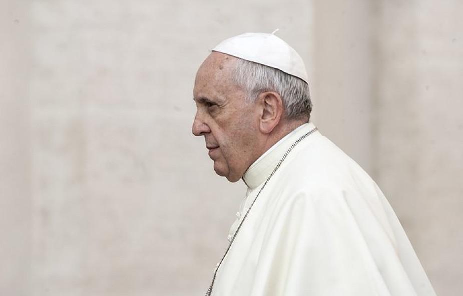 Papież wprowadza zmiany w stwierdzeniach o nieważności małżeństwa? Spotkał się z prawnikami