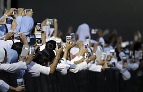 Mjanma: spotkanie papieża z szefem armii buddyjskim w centrum uwagi mediów