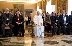 Papież apeluje o studia nad przyczynami migracji oraz ksenofobią