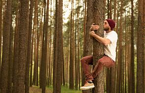 Nie chodzę do kościoła, ale przytulam drzewa