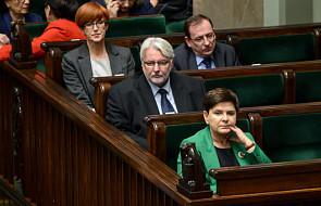 Mazurek: premier Beata Szydło zaproponowała niewielkie zmiany w rządzie