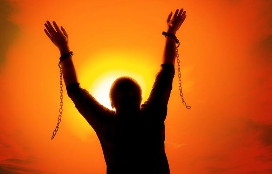 W Adwencie możesz zerwać kajdany swoich zniewoleń! Dowiedz się, jak to zrobić