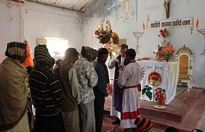 Seminarzyści i księża katoliccy zakładnikami radykałów za śpiewanie kolęd
