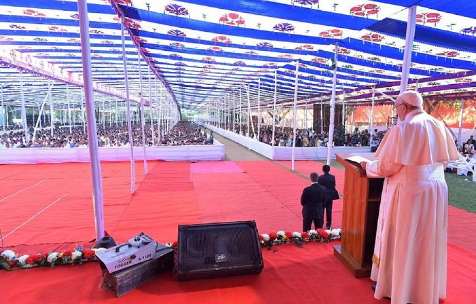 Papież do młodzieży Bangladeszu: bądźcie otwarci i pełni mądrości Bożej