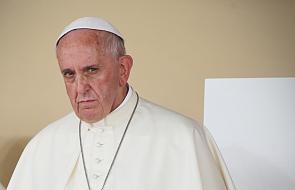 """Papież: trzeba przezwyciężyć logikę spisków w Kurii Rzymskiej. """"To rak"""" tej instytucji [DOKUMENTACJA]"""