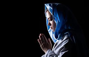 Co by było, gdyby anioł przekazał wiadomość o ciąży Maryi dzisiaj?
