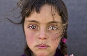 Zdjęcie tej dziewczynki jest wyjątkowe. Teraz przejdzie do historii