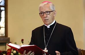 Metropolita katowicki odwiedził dziecięcy oddział onkologii