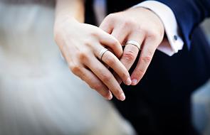 Małżeństwo odzyskało obrączki dzięki proboszczowi