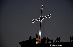 Irak: chrześcijanie ustawili ogromny krzyż [FOTO]
