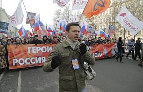 Tysiące ludzi na marszu w Moskwie w przeddzień rocznicy zabójstwa Niemcowa