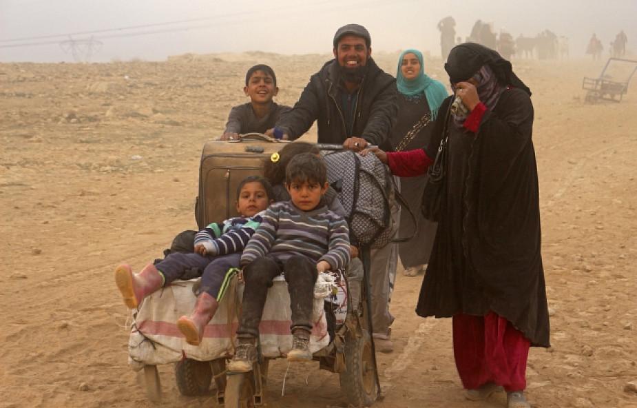 Armia odcięła ostatnią główną drogę do zachodniego Mosulu