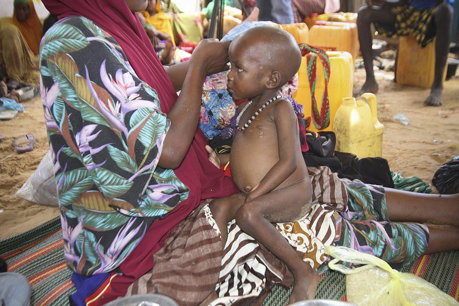 Somalia: wskutek głodu w ciągu 48 godzin zmarło 110 osób - zdjęcie w treści artykułu