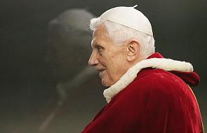 """""""Benedykt XVI milczy, ale wiele daje Kościołowi"""""""