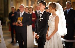 Takich życzeń od księdza dla pary młodej na ślubie nikt się nie spodziewał