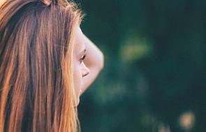 """""""W moje głowie pojawiały się myśli samobójcze, nie potrafiłam kochać siebie"""" [ŚWIADECTWO]"""