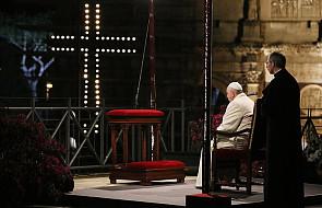 Franciszek w Koloseum: przychodzimy do Ciebie Chryste ze wstydem i nadzieją