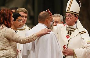 Watykan: 11 katechumenów przyjmie chrzest z rąk papieża