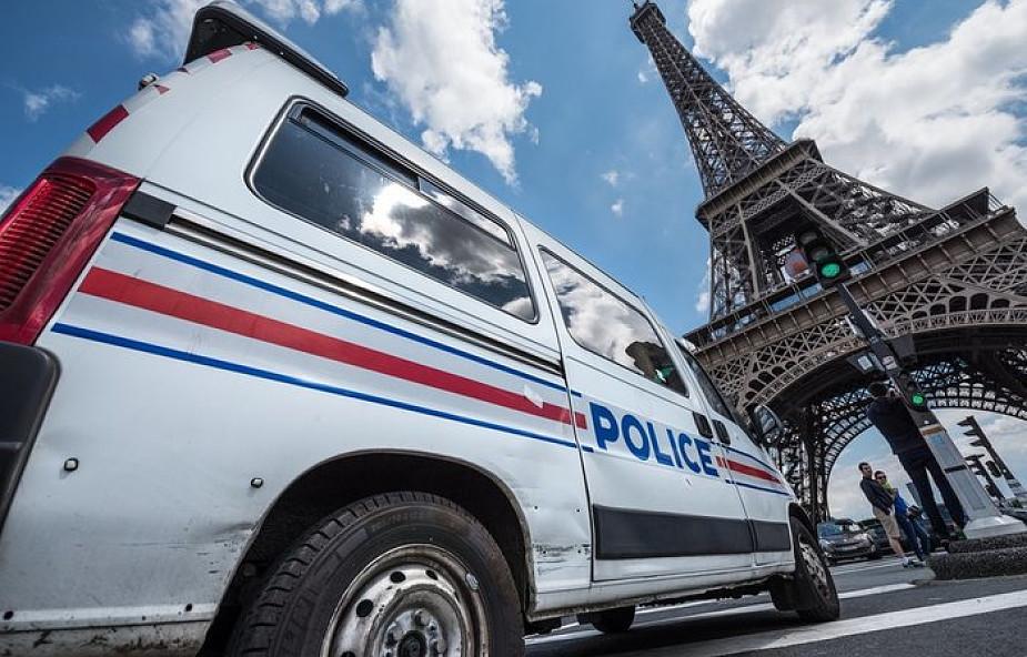 Ostrzelani policjanci na Polach Elizejskich w Paryżu