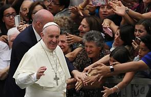 Papież: miłosierdzie ma kluczowe znaczenie w życiu wiary