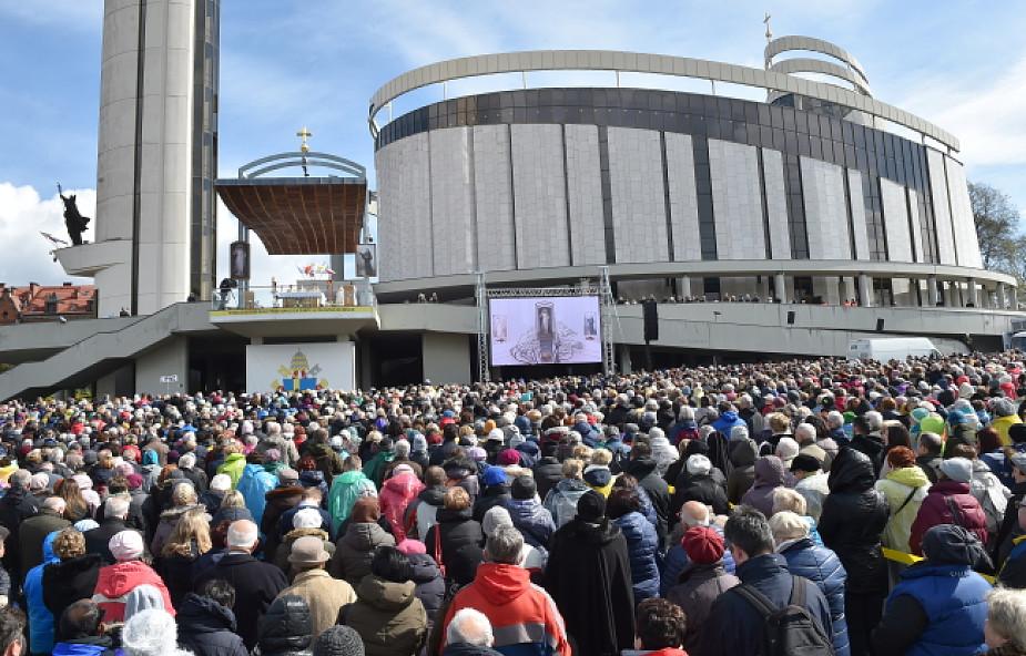 Łagiewniki: 150 tys. pielgrzymów z całego świata