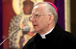 Abp Jędraszewski o tym, jak modlić się koronką do Bożego miłosierdzia